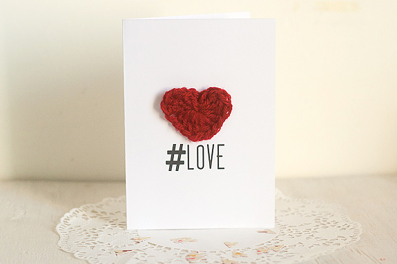 Crochet-Heart-Tutorial-for-Valentines-Day-with-Printable-Card-10.jpg